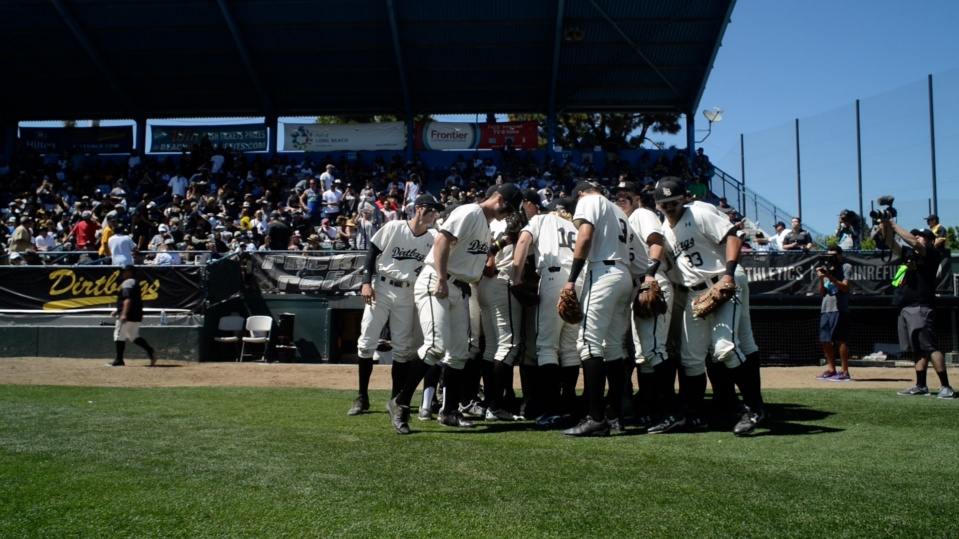 Dirtbags teams gets ready to take the field.