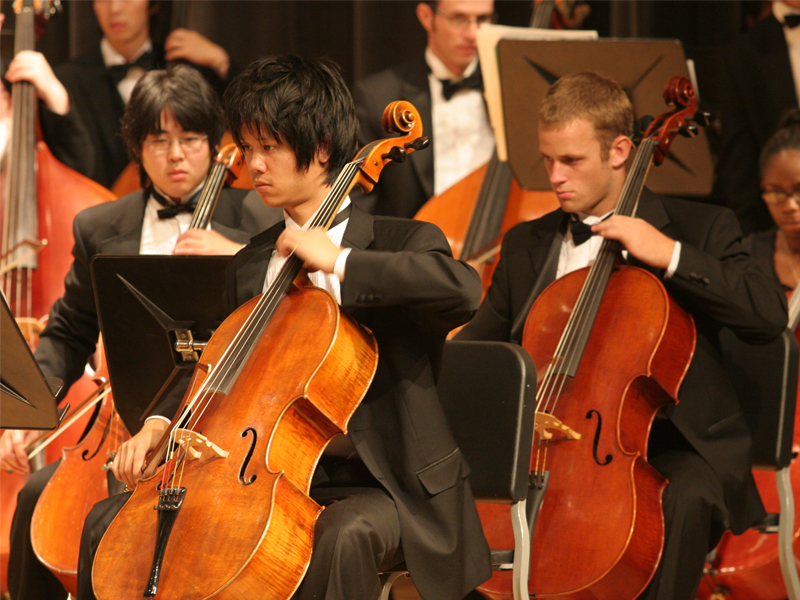CSULB Music majors perform a concert in front of audience